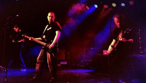 Terhon keikkakuva - Livenä Gloriassa, Helsingissä 2002